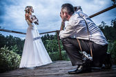 Photo session with the groom and bride — Stock Photo