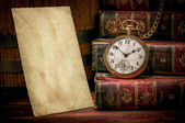 Old photo paper texture, pocket watch and books in Low-key — Foto Stock