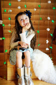 Little girl in anticipation of Christmas night — Foto de Stock