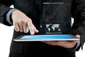 επιχείρηση άνθρωπος που κρατά το σύγχρονο ψηφιακό tablet pc με επιτυχία g — Φωτογραφία Αρχείου