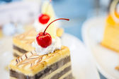 Slice of delicious cake with fresh berry — Stock Photo