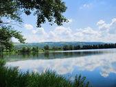 Belo lago — Fotografia Stock