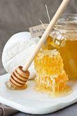 Fromage et miel. — Photo