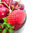 Strawberries and cherries in a bowl — Stock Photo