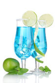 Blue cocktail in glasses with ice and sugar isolated on white — Foto de Stock