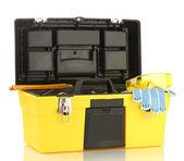 Offene gelb werkzeugkoffer mit werkzeugen, die isoliert auf weißem hintergrund — Stockfoto