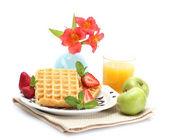 Beyaz izole hafif kahvaltı — Stok fotoğraf