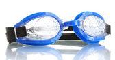 Blå simma glasögon med droppar isolerad på vit — Stockfoto