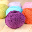 Knitting yarn on wooden background - Foto de Stock