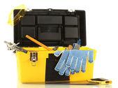 在白色背景上隔离的工具打开黄色工具框 — 图库照片