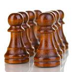 Schackpjäser isolerad på vit — Stockfoto