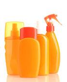Flaschen mit sonnencreme creme isoliert auf weiss — Stockfoto