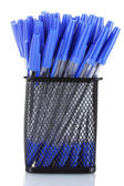 Blauwe pennen in metalen beker geïsoleerd op wit — Stockfoto