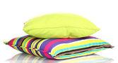 白で隔離される明るい色枕 — ストック写真