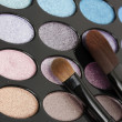 Shadow kit with brushes for make-up — Stock Photo #11765320