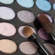 Shadow kit with brushes for make-up — Stock Photo