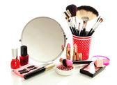 附近镜子上白色隔离化妆品 — 图库照片