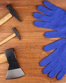 Uppsättning verktyg och instrument på trä bakgrund — Stockfoto