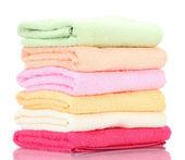 Kleurrijke handdoeken geïsoleerd op wit — Stockfoto