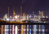 Petrochemical plant in night — ストック写真