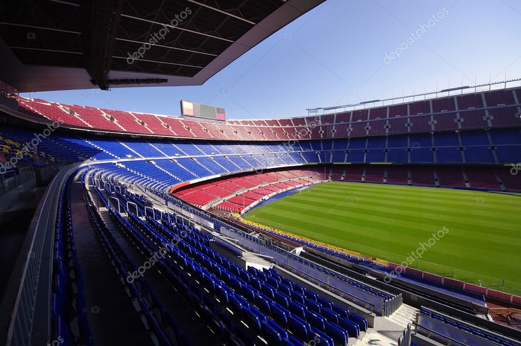 Wide view of FC Barcelona (Nou Camp) soccer stadium — Stock Photo #11617811
