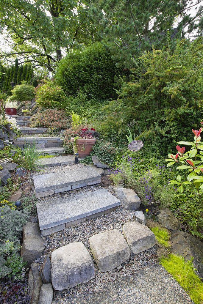 Piastrelle gradini scale giardino foto stock 11684847 - Scale in giardino ...