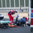 victime d'un accident et le service d'urgence — Photo