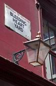 Bleeding Hart Yard in London — Stock Photo