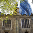 St Helen's Bishopsgate in the shadow of the Gherkin in London — Stock Photo
