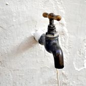 Water tap valve — Stock Photo