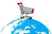 Nákupní vozík na zemi — Stock fotografie