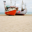Fishing boats on the sand coast. - 图库照片
