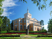 Finnish church and monument of Talvisota. — Stock Photo