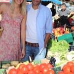 Couple on the market — Stock Photo