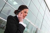 Kvinna på telefon — Stockfoto