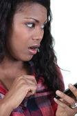 Tiro de busto de jovem negro olhar atordoado — Foto Stock