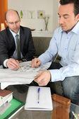 Architect making sales pitch — Stock Photo