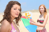 Two teenage girls at the beach — Stock Photo