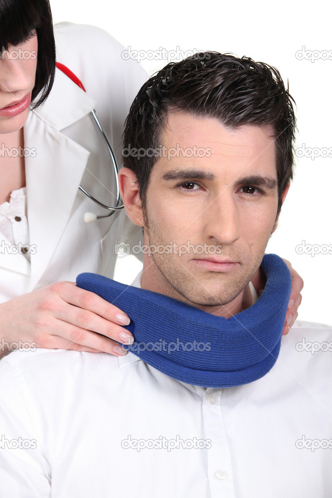 Doctor fitting a — Stock Photo #11029772