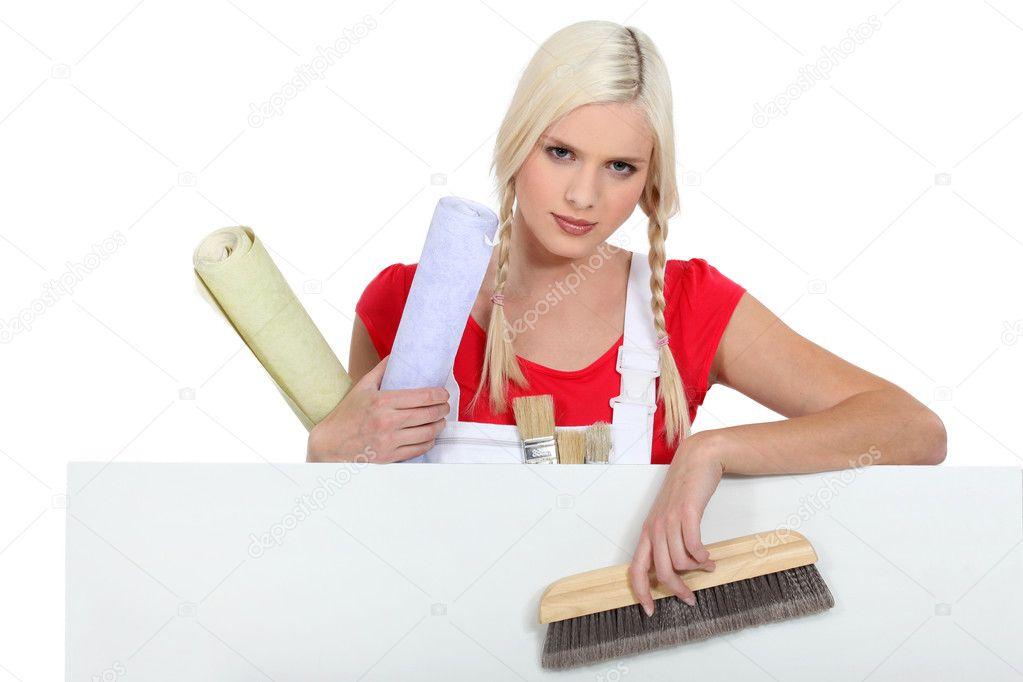 Une femme peintre en b timent photographie photography33 11035452 for Peintre en batiment