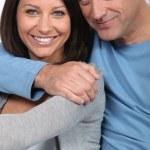 porträtt av en kärleksfull medelålders par — Stockfoto