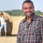 Farmer in a field — Stock Photo #11073841