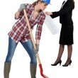 Female builder with spade — Stockfoto