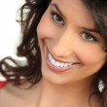 Smiling natural brunette — Stock Photo #11756517