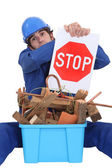 Builder suggesting stop wasting materials — Stock Photo