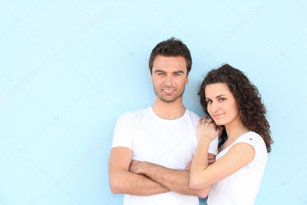 Portrait of newlyweds wearing casual clothes — Stock Photo #11848080
