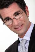 Close-up portrait de jeune homme d'affaires dans la trentaine — Photo