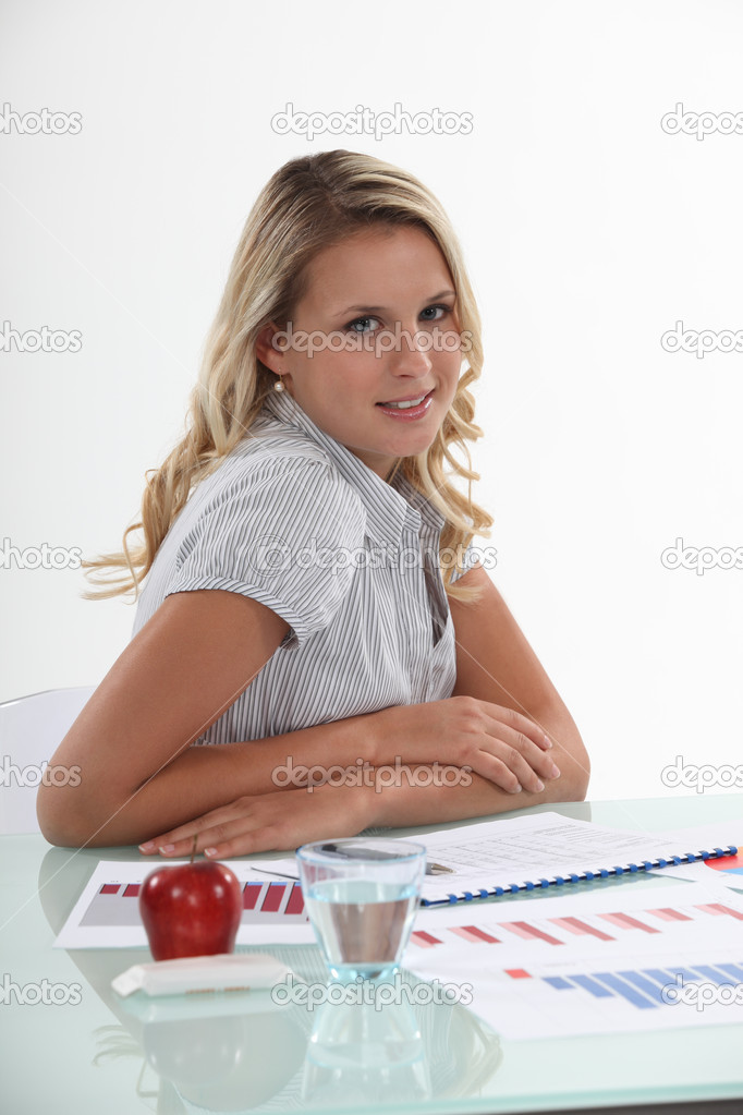 Employee checking sales reports — Stock Photo #11897506