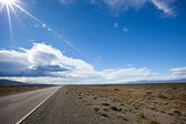 Road in the desert of Patagonia — Stockfoto