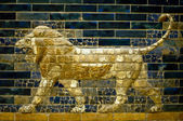 A lion of the Ishtar Gate — Стоковое фото